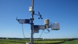 Профессиональная метеостанция на поле