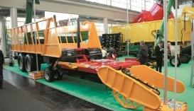 Причіп ПТ-16 для автоматизованого збирання, перевезення та скиртування квадратних тюків соломи
