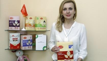 Ирина Брославцева, директор ТОВ «Добродия Фудз» зі своєю продукцією