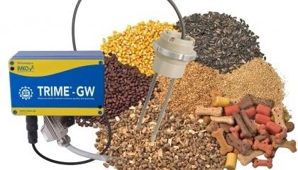 Встроенное программное обеспечение датчика влажности TRIME-GWS содержит 15 калибровок для разного вида зерна с температурной компенсацией и без нее, а также несколько режимов измерения с определением среднего значения и фильтрацией данных. Все параметры выведены на операторскую панель