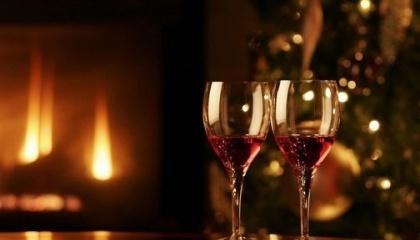 Новый 2017-й год стоит встретить с украинским вином, чтобы поддержать отечественных виноделов