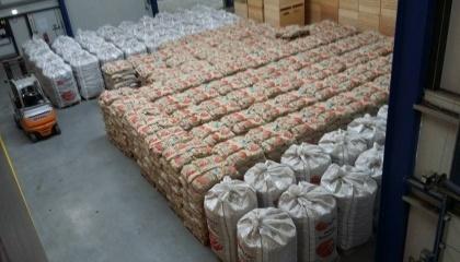 За даними FAO, всього п'ять країн виробляють понад 20 млн т картоплі на рік, і серед них – Україна