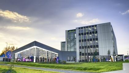 6 жовтня компанія Claas відкрила новий центр з розробки електроніки в німецькому місті Діссен (земля Нижня Саксонія)