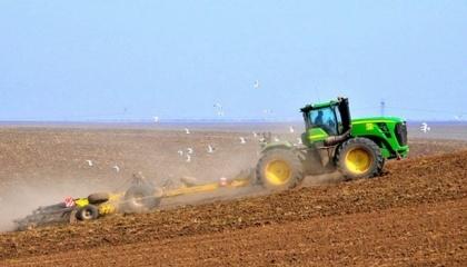 В частности, предлагается усовершенствовать производство продукции фермерами благодаря современному оборудованию
