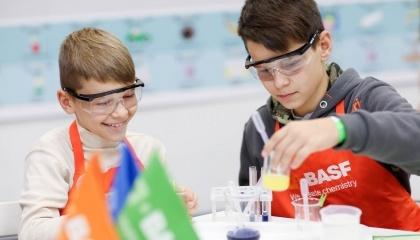 Компанія BASF запускає в Україні проект BASF Kids' Lab - сучасну інтерактивну освітню програму з хімії для дітей віком 6-12 років