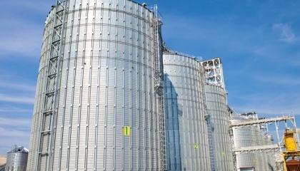 Зараз елеватор може відвантажувати більше 1 тис. т зерна на добу, а приймати - до 2 тис. т. Потужність зберігання становить 10 тис. т