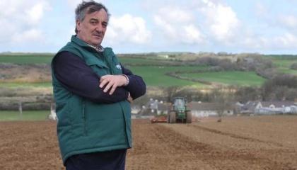 Председатель Национального фермерского союза Великобритании Меуриг Рэймонд кроме проблем видит и положительные моменты в будущем выходе его страны из Евросоюза