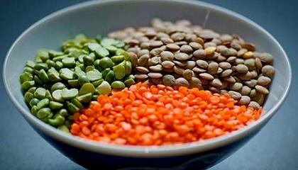 За вегетаційний період зернобобові культури пов'язують 80-150 кг азоту в діючій речовині, що еквівалентно внесенню 300 - 400 кг аміачної селітри