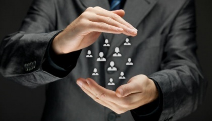 Возможность работы с любой точки мира приводит к выходу конкуренции на рынке труда на глобальный уровень. А это значит, что требования к образованию, знаниям, профессиональных и личных качеств становятся все выше