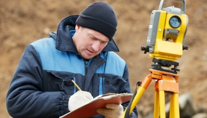 Одна из инициатив - вернуть на местный уровень проведения экспертизы земельных участков до 30 га