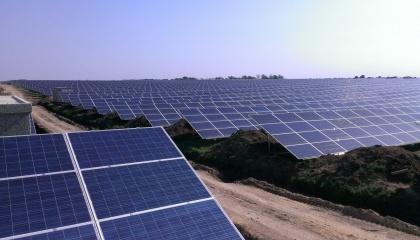 Солнечная электростанция «Чечельник» будет ежегодно генерировать около 22,48 млн КВт/ч электроэнергии, уменьшая почти на 22 000 т в год выбросы углекислого газа в атмосферу