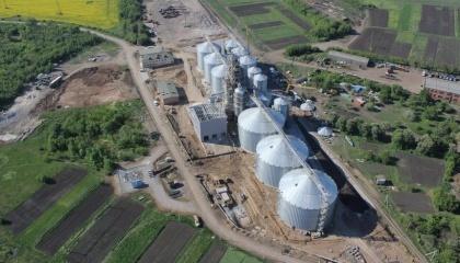 По данным UGT, стоимость строительства элеватора «под ключ» на тонну хранения зерна варьируется от $98 до $120