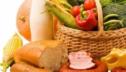 """Наиболее востребованные товары их категории """"свежих"""" в супермаркетах - в зависимости от сезона, находится какой-либо сезонный фрукт или овощ, неупакованное куриное яйцо, сахар и гречка"""