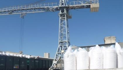 В Україні складається парадоксальна ситуація: ціни на аміачну селітру ростуть, заводи завантажені не більше ніж на 70%, імпортні нітратні дуже активно завозяться. При цьому попит на нітратні добрива не закрито на 15-20%