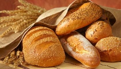 Неякісний хліб стає причиною зменшення кількості споживачів цього продукту - люди, особливо в сільській місцевості, тепер самі печуть хліб