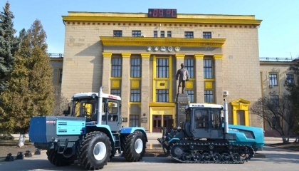 """Трактора серии """"ХТЗ-17"""", а также трактора на 25-30 лошадиных сил имеют очень большую перспективу. Особенным спросом пользуются машины мощностью от 18 до 30 лошадиных сил"""