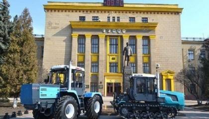 """ПАО """"Харьковский тракторный завод"""" (ХТЗ) в среднем производит 100-120 машин ежемесячно, хотя при необходимости способен производить и 170 шт."""