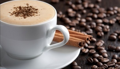Хоча вартість кави постійно зростає, любителі напою не лише не зменшують її споживання, а й експериментують зі смаками