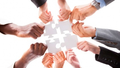 Среди вызовов 2017-го - потребность в средствах и специалистах, консолидация тех людей, которые занимаются кооперацией. Среди приоритетов - сотрудничество, обучение специализированного творческого менеджмента и формирования социального капитала