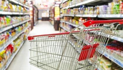 На законодательном уровне заложена структура потребительской корзины, при которой на продукты питания расходуется более 65%. То есть по международным нормам украинское государство ставит себя в класс бедных