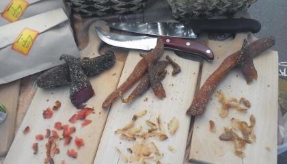 Один из украинских стартапов - киевский гастро-проект - Гурманьякы. Их продукция - для ценителей украинских гастроновинок, сочетающих в себе шарм блюд из разных стран