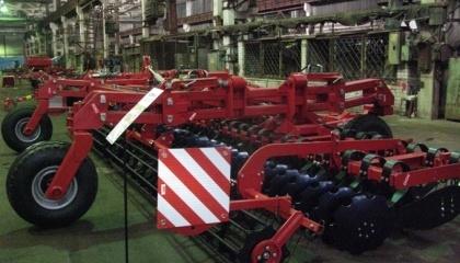 ЛКМЗ в 2017 году планирует поставить Харьковскому тракторному заводу около 1200 тракторокомплектов