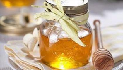Україна в січні-червні 2017 року збільшила в грошовому вираженні імпорт меду натурального в 1,7 рази - до $51,8 млн відповідно до аналогічного періоду 2016 року