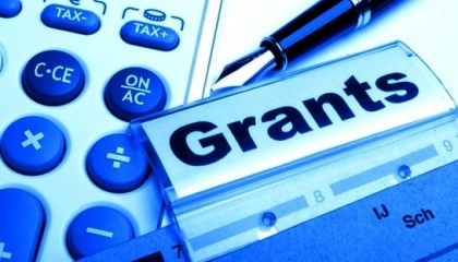 Максимальний розмір гранту, який може бути наданий - 200 тис. грн, проектна діяльність може бути розрахована на термін до 6 місяців