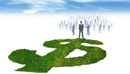 Проблеми з введенням ринку землі виникли більшою мірою через велику кількість популістів, котрі успішно впровадили пострадянський менталітет значній частині населення