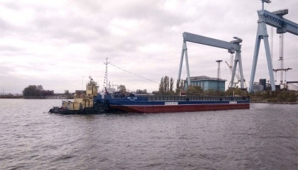 """Суднобудівний-судноремонтний завод """"Нібулон"""" спустив на воду шосту несамохідну баржу проекту В2000. Баржа стала 56-м судном в флоті компанії"""