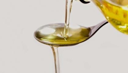 За результатами обшуку промислових потужностей підпільного виробництва вилучено 25 т насіння соняшнику і 40 т соняшникової олії загальною орієнтовною вартістю понад 1 млн грн
