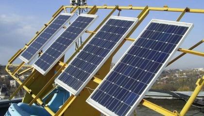 Станція складається з 1140 сонячних панелей номінальною потужністю 260 Вт кожна, які розташовані на даху виробничого корпусу і займають площу 1850 кв.м