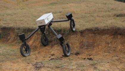 Ученые Австралийского центра полевых роботов (АЦПР) в Сиднейском университете разработали SwagBot – робота, который следит за скотом и овцами, может без проблем перемещаться по неровному рельефу и помогает загонять животных в выгоны или направлять в сторону пастбищ