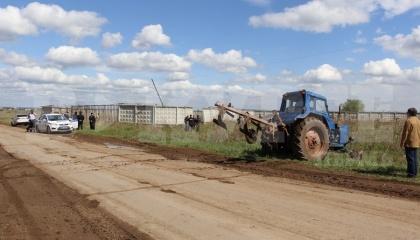 У 2015 р. фермер самовільно привласнив ділянку землі розміром 65 га поблизу військового аеродрому, захопивши при цьому частина грунтової злітно-посадкової смуги