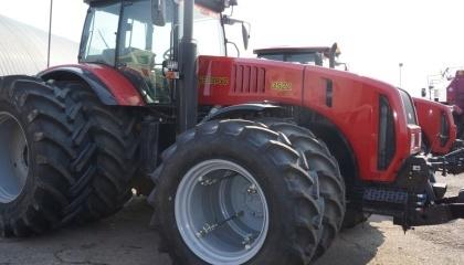 Промышленный туризм в Беларуси: за $5 можно принять участие в сборе трактора