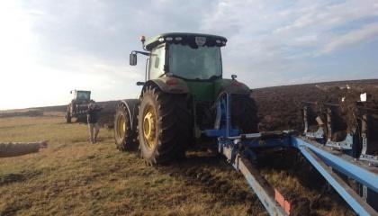 """Фермеры - по заказу Минобороны Украины, незаконно распахали почти половину заказника """"Тарутинская степь"""", который по мнению ученых, является одним из последних наиболее ценных степных участков в Украине и Европе"""