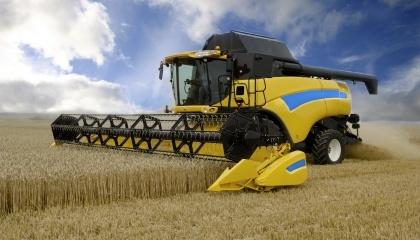 Приоритетными в приобретении должны стать зерноуборочные комбайны, тракторы средней и высокой мощности, почвообрабатывающе-удобрительно-посевные комплексы, технические средства для послеуборочной обработки зерновых и семян масличных культур