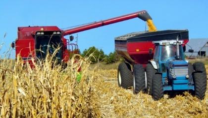 Держбюджет-2018 передбачає мільярд гривень для придбання сільгосптехніки