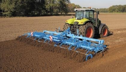 В  Agricom Group отказались от класической технологии и выбрали mini-till, в первую очередь из-за того, что это позволяет существенно экономить время