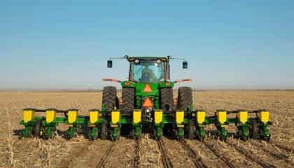С новой техникой, быстро обработав свои поля, вы можете предоставлять услуги по обработке почвы, посева и сбору урожая и другим предприятиям, в том числе агрохолдингам