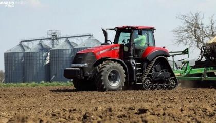 Компания Case IH помогла побить мировой рекорд по площади посадки кукурузы в течение 24 часов с помощью трактора Magnum 380 CVX с 16-рядной сеялкой Väderstad Tempo L, которые вместе смогли обработать 502,05 га, побив таким образом предыдущий рекорд в 448,29 га