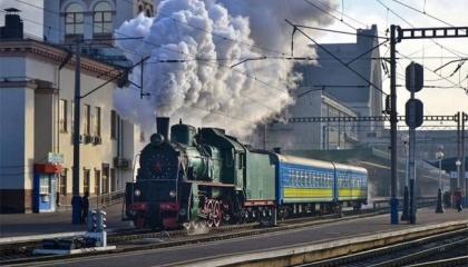 """В ПАО """"Укрзализныця""""  до 2021 года запланировано на 25% сократить количество локомотивных депо, на 15% – сферу производства и ремонта подвижного состава"""
