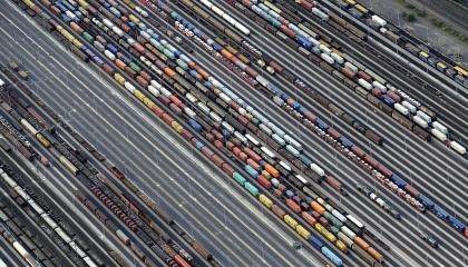 """Государственная регуляторная служба одобрила повышение тарифов на грузовые перевозки """"Укрзализныци"""" на 15%"""
