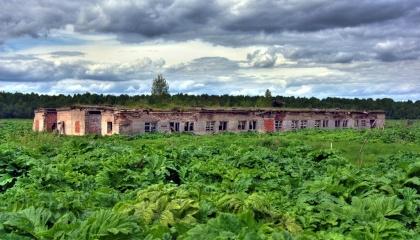 Большая часть необработанных площадей - неугодья, расположенные в основном на Полесье