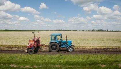 За даними опитування AgriSurvey, проведеного на замовлення Alexandrov & Partners, понад 60% агрокомпаній не готові купувати землю. Масового скуповування земельних паїв не буде