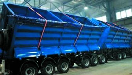"""Первый отечественный автопоезд-зерновоз """"КрАЗ-Караван"""" - это настоящий дебют украинского машиностроения, достойный конкурент КамАЗа и МАЗам, а также западным аналогам"""