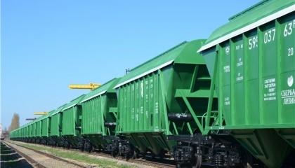 """Недостаток зерновозов на """"Укрзализныце"""" может быть симптомом, который маскирует другие проблемы, например, дефицит грузовых и маневровых локомотивов, или недостаточной пропускной способности части направлений"""
