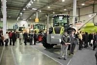 Огляд пропозицій  на ринку тракторів фото, ілюстрація