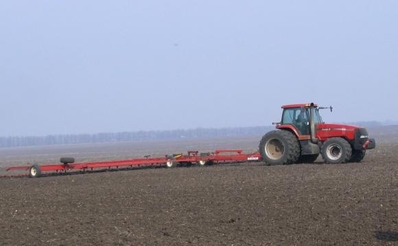 Боронування озимих посівів після зимівлі  фото, ілюстрація