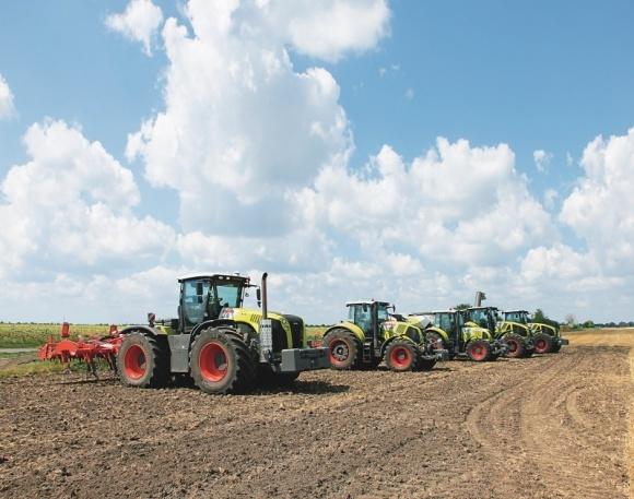 Сельхозтехника от компании  CLAAS  фото, иллюстрация